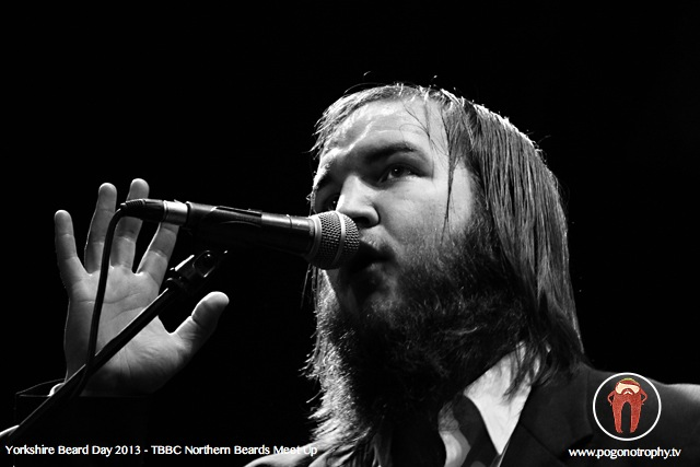 The Blind Dead McJones Band - Ben Slack B/W -Yorkshire beard day 2013 - TBBC Northern Beards Meet Up at The Spa Theatre, Scarborough Spa, Scarborough, UK - ©Simon Heaton 2013